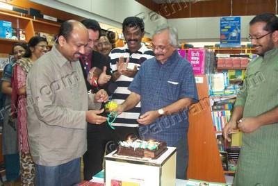 m-mukundan-dc-books-epathram