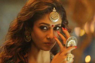 actress-nayan-thara-in-kashmora-movie-ePathram