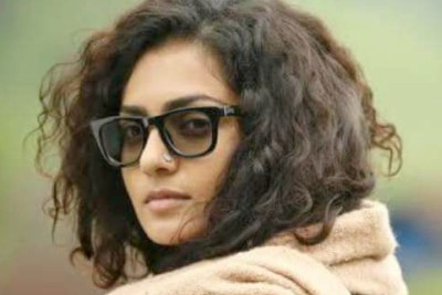 actress-parvathy-thiruvothu-ePathram