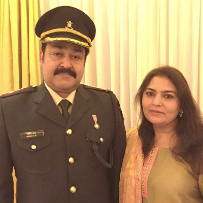 lieutenant-colonel-mohanlal-with-his-wife-suchithra-ePathram