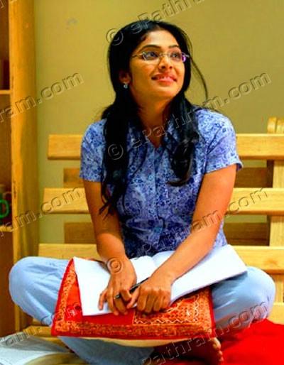 rima-kallingal-22-female-kottayam-epathram