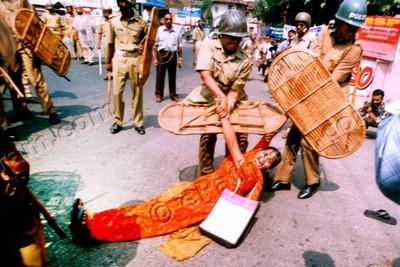 sindhu-joy-police-beating-epathram