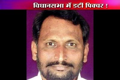 Karnatka_Minister-epathram