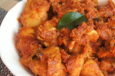 chicken-with tomato-epathram