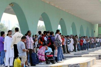 abu-dhabi-bus-station-eid-day-ePathram