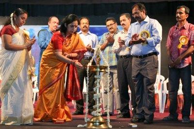 anuja-chakravarthi-inaugurate-guru-pranamam-ePathram
