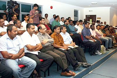 audiance-book-release-of-ramanthali-ePathram