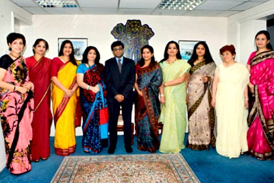 bahrain-ladies-association-members-with-ambassedor-ePathram