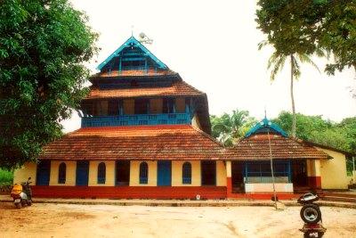 blangad-juma-masjid-in-1999-old-ePathram