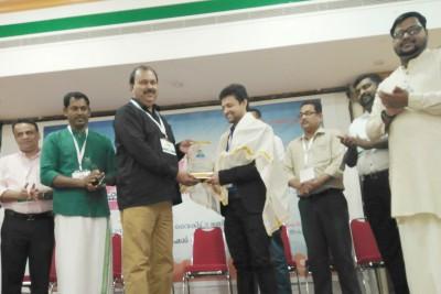 cpt-uae-media-award-for-fazalu-of-hit-fm-radio-ePathram
