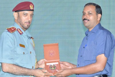 dubai-immigration-award-for-jaleel-pattambi-ePathram