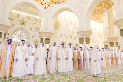 eid-prayer-at-sheikh-zayed-grand-masjid-ePathram