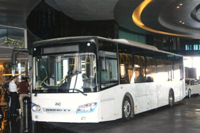electric-bus-in-abudhabi-ePathram