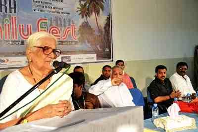 enora-uae-fest-2012-karthiyani-teacher-ePathram