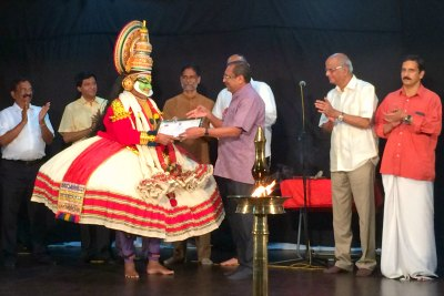 indian- ambassador-tp-seetharam-felicitate-kalamandalam-gopi-ePathram