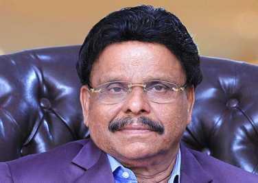 indian-business-man-viajakumar-get-uae-golden-visa-ePathram