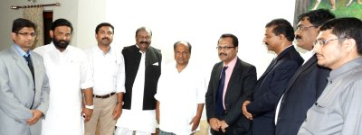 indian-media-abudhabi-delegation-team-with-minister-ak-antony-ePathram