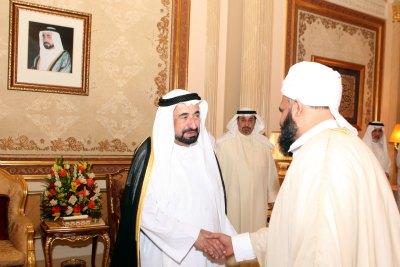 khaleelul-bukhari-with-sheikh-sulthan-in-sharjah-ePathram