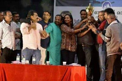 ksc-drama-fest-2014-winner-theater-dubai-ePathram