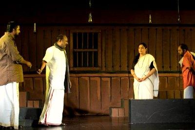 ksc-drama-fest-anju-nair-in-bhagna-bhavanam-ePathram