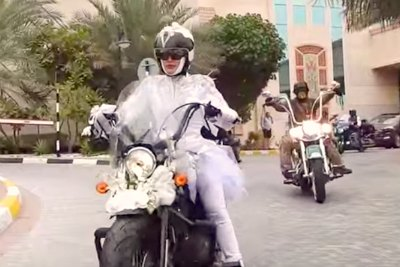 nadia-hussain-salem-al-muraikhi-wedding-bike-riding-ePathram