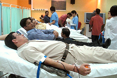nmc-blood-donation-camp-epathram