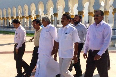 oommen-chandi-visit-sheikh-zayed-grand-masjid-with-incas-leaders-ePathram