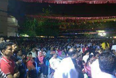 pinarayi-dubai-crowd
