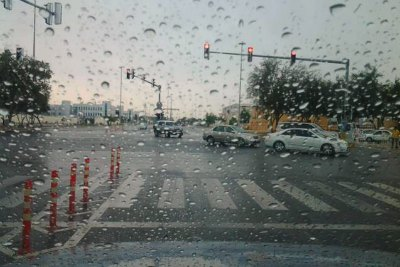 rain-in-abudhabi-2013-march-25-by-hafsal-ahmed-ima-ePathram