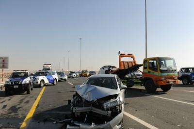 road-accident-in-abu-dhabi-dubai-highway-ePathram