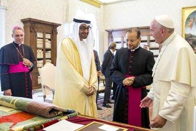 sheikh-mohamed-bin-zayed-meet-pope-francis-ePathram