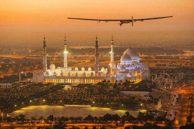 solar-impulse-2-flight-in-abudhabi-ePathram