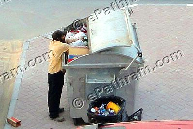throwing-waste-on-the-road-an-offence-in-uae-federal-traffic-law-ePathram