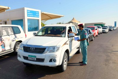 traffic-awareness-of-abudhabi-police-in-al-ghuwaifat-road-ePathram
