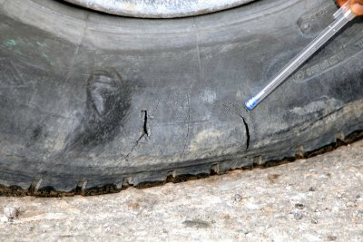 tyre-test-by-abudhabi-traffic-police-ePathram