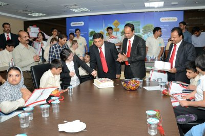 uae-exchange-celebrate-33-birthday-ePathram