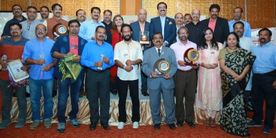uae-exchange-chiranthana-17-th-media-award-ePathram