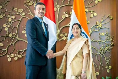 uae-foreign-minister-sheikh-abdulla-bin-zayed-with-external-affairs-minister-sushama-swaraj-ePathram