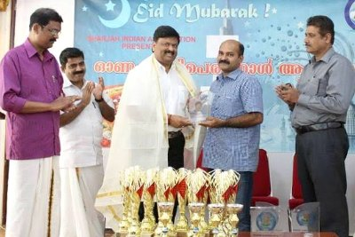 uae-pulloot-association-felicitate-vk-muraleedharan-ePathram