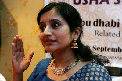 usha-suresh-balaji-mohiniyattam-performer-in-abudhabi-ePathram