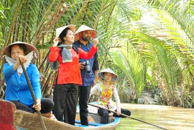 vietnam-short-film-the-other-side-by-nazim-mohamed-ePathram