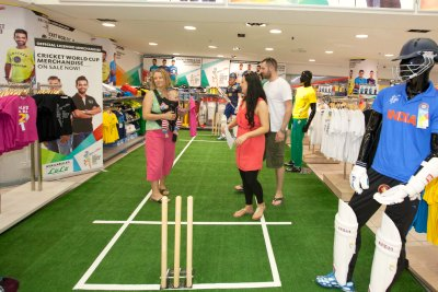 world-cup-cricket-items-in-lulu-hyper-markets-ePathram