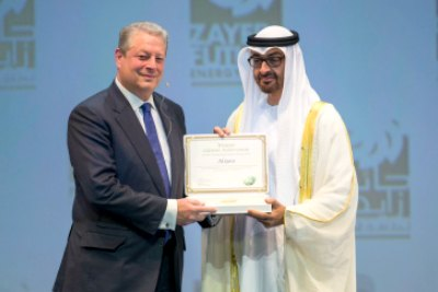 zayed-future-energy-prize-2015-al-gore-ePathram