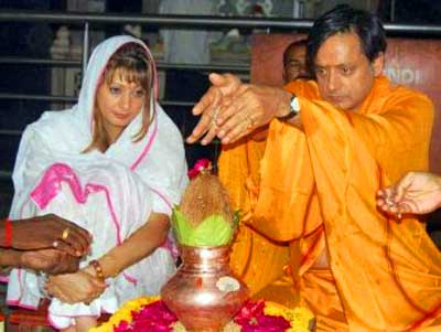shashi-tharoor-sunanda-pushkar-epathram