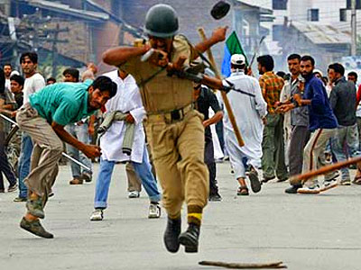 violence-in-kashmir-epathram