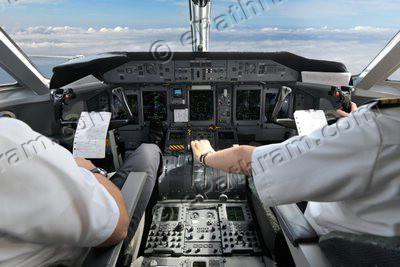 pilot-in-cockpit-epathram