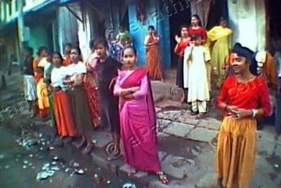 red-street-mumbai-epathram