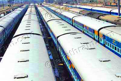 rain-disrupt-trains-epathram
