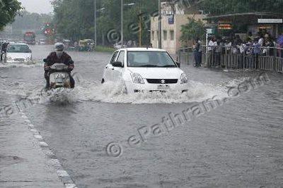 delhi-rain-epathram