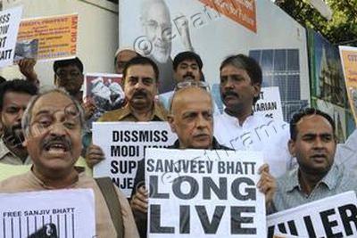 sanjeev-bhatt-protest-epathram